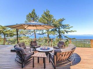5BR Estate w/ Hot Tub, Sauna, Outdoor Kitchen & Epic Lake View - NO Pets