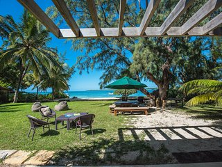 4 Bedrooms Beachfront Villa in Trou d'Eau Douce