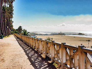 Sunset Retreat ✭ 1 Bd Condo ✭ Walk to Beach!