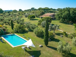 Villa with pool in the middle of Maremma