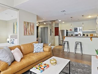 Amazing 3BR/2BA Industrial Apt in NOLA by Domio