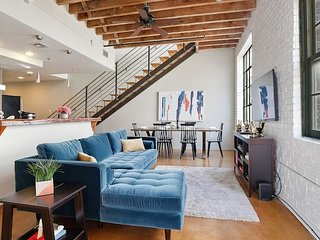 Gorgeous 3BR/2BA Industrial Apt in NOLA by Domio