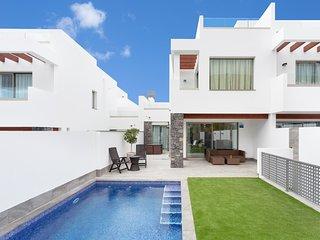 Villa de Lujo nº15 con Piscina y aire acondicionado