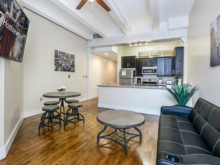 Spacious Loft Close to French Quarter & Bourbon St.