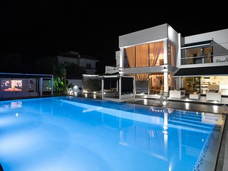 RENT your luxury PRIVATE VILLA 011 in Cyprus