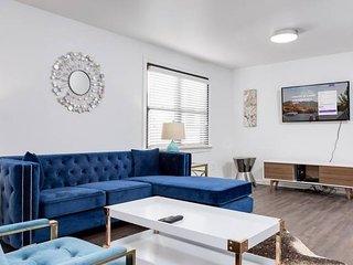 Domio | Germantown | Modern 8BR | Comprised of 2 Suites