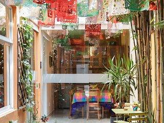 Explora la zona mas hip de Condesa en este departamento artistico y eclectico