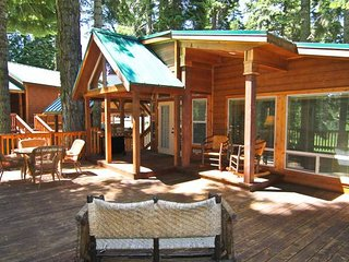 #48 The Cabins at Hyatt Lake - Sleeps 4 - Hot Tub