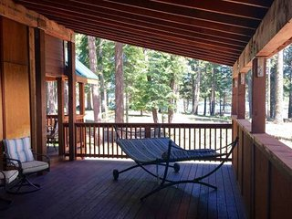 #51 & #52 Hyatt Lake Compound~Sleeps 10~Lake View