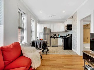 Fantastic 2BR/1BA Apt in North End by Domio