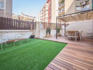 COMFORTABLE APARTMENT WITH AMAZING TERRACE - B426