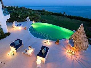 4 bedroom Villa in Alporchinhos, Faro, Portugal - 5749154
