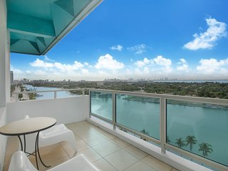 2 BR Bayfront  Apartment in Miami Beach