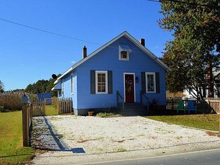 Saltwater Cowboy - Single Family Home - Close to Town