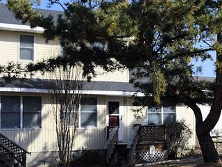Sandy Bottoms - Close to Town - Single Family Townhouse