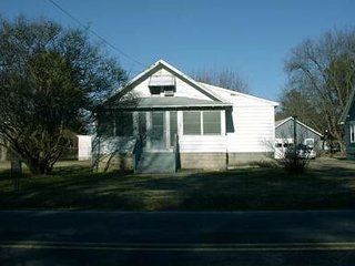 Pet Friendly - Single Family Home