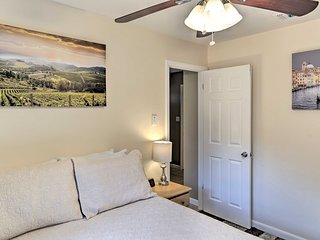 Gainesville Townhome w/ Patio on Golf Course!