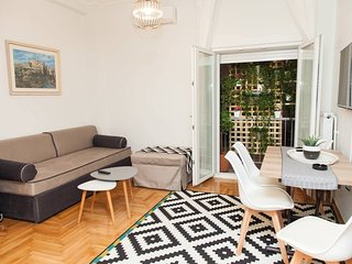 alopekis 13 : Adorable Kolonaki Apartment in Great Location!