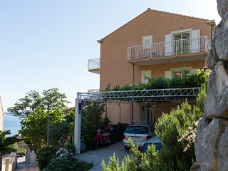 Cosy studio in the center of Plat with Internet, Washing machine, Air conditioni