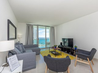 Miami - Hollywood Beach with direct ocean view at Tides 8th for 6 guests