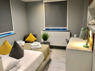 Modern Studio Apartment in City Centre 115
