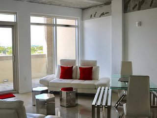 Outstanding at Midtown Miami