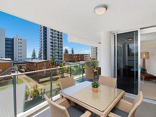 Eden Apartments Unit 302 - Luxury 2 bedroom apartment close to the beach