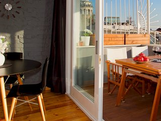 Private terrace, charm & views in Galata!