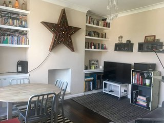 3 bed designer cosy family flat in lovely area