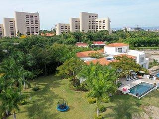VILLA 2 . Oceanfront 7BR Villa Private Pool & Chef Included