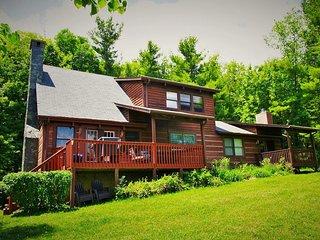 Serenity- Views,Game Room, Fire Pit, near Boone, Pet Friendly, Family Friendly,