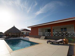 Casa Kontentu luxe woning/prive zwembad/6 pers