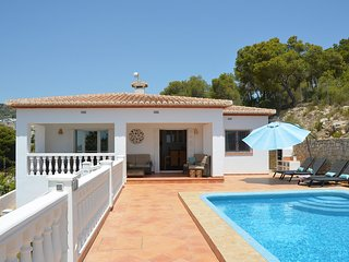 Feel at home at Villa Colina: quiet location, fully equipped