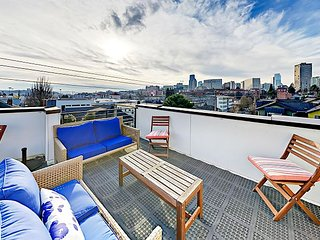 Modern Capitol Hill Townhome w/ Rooftop Deck - 10 Minutes to Downtown