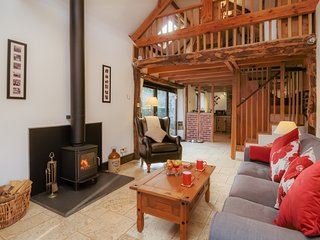Detached Devon Cottage with Underfloor Heating. Pets Welcome. Short Breaks