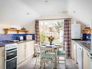 Molly's Cottage is a quaint and cosy property located in Chipping Campden
