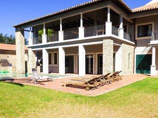 Villa Yakira