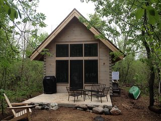 Loon Island: Cozy private island getaway in minutes from Ely