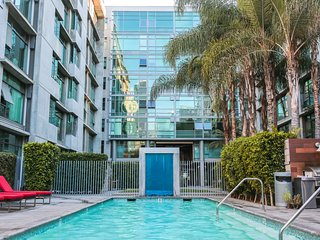 Downtown Los Angeles Apartment in Walk to LA Live!