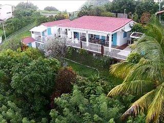 Beautiful house with garden & Wifi