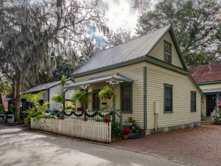 Little San Filipe Cottage- Relive History! Heart of Historic Walking District, F