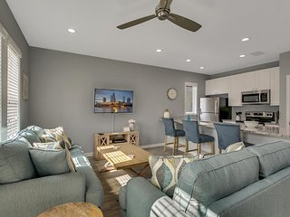 New Three Bedrooms and Two Bathrooms Duplex Minutes From Heart of Tampa - Unit B