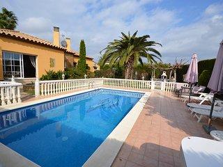 Nautic 13 - Casa con jardin y piscina.