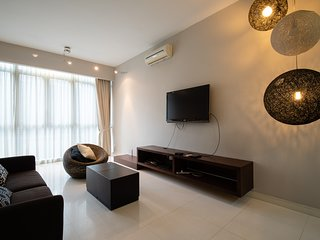 Spacious KLCC suite free WiFi 3min walk to KLCC (2 - 6 pax)