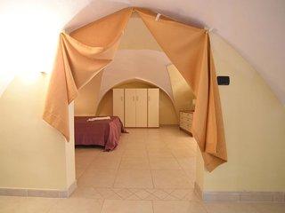 Gallipoli Holiday Home Sleeps 3 with Air Con