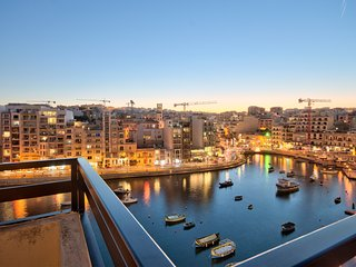 Spinola Bay Seafront Duplex Penthouse