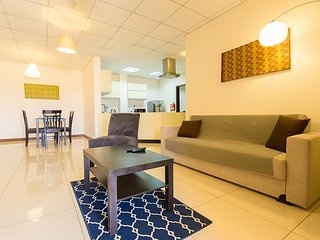 La Casa Baatsona  Apartments- Elegant 2 bedroom Apt near Spintex Road