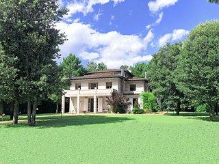 5 bedroom Villa in Marina dei Ronchi, Tuscany, Italy - 5749033