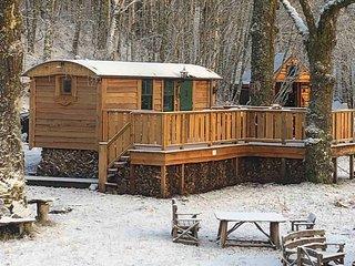 The Shepherds Hut + Hot Tub