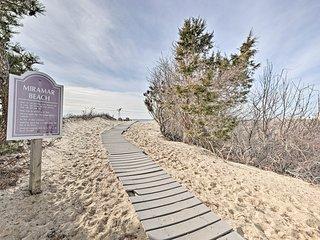 NEW! Cozy Dennis Port Cottage-Steps to Priv. Beach